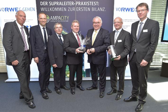 Betrieb des weltweit längsten Supraleiterkabels liefert erste technologische Erkenntnisse / RWE zieht nach 180 Tagen Zwischenbilanz bei AmpaCity in Essen/Vorzeigeprojekt hat Erwartungen übertroffen