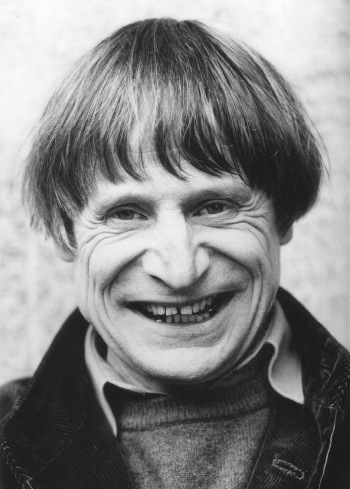 Dimitri riceve il premio 2009 della Fondazione Dr. J.E. Brandenberger  - Il poeta senza parole che ha creato il patrimonio culturale svizzero