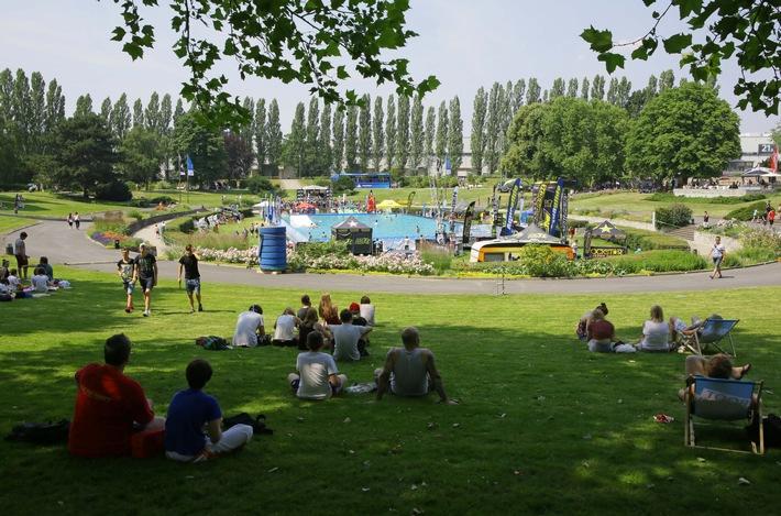 YOU im Sommergarten: Wipeout Parcours im Event-Pool, BMX-Shows und Kartbahn