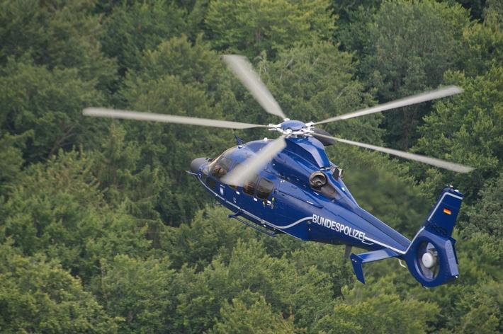 BPOLI-KN: Engen/ Hattingen: Landes- und Bundespolizei gelingt Festnahme eines flüchtigen Einbrechers - auch Hubschrauber im Einsatz