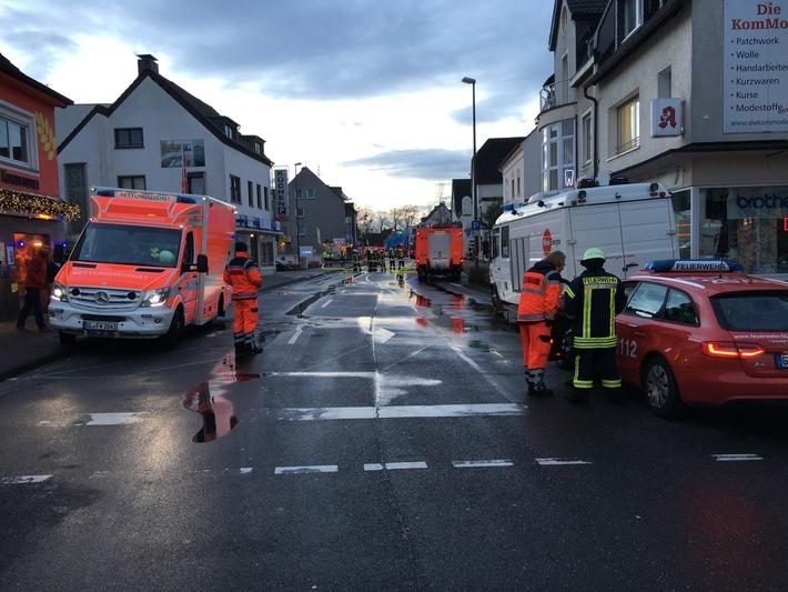 FW-GL: Umfangreiche Gasausströmung in Bergisch Gladbach-Heidkamp