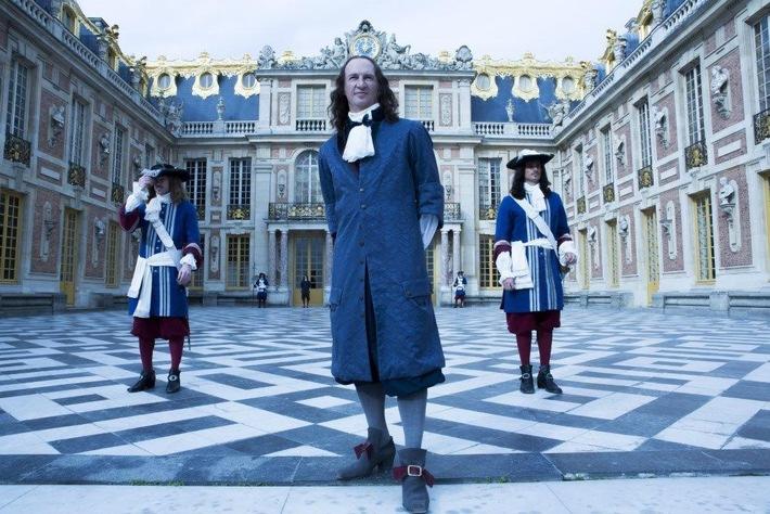 """Lust, Betrug und politische Intrigen: Sky präsentiert im Februar die bildgewaltige Historienserie """"Versailles"""""""