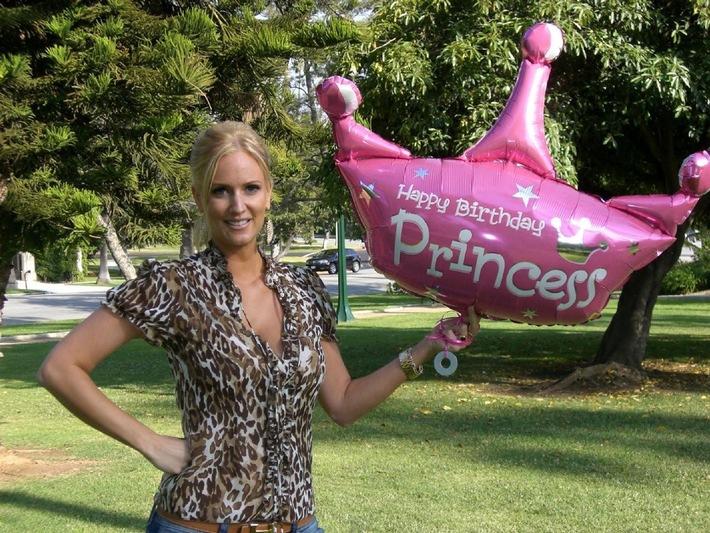 TALK OF FAME - NEWSTICKER: Liebeserklärung an Cameron Diaz, Schöner Wohnen mit Nicole Kidman, Gottschalks Rentengespräche mit Ex-Bond Brosnan