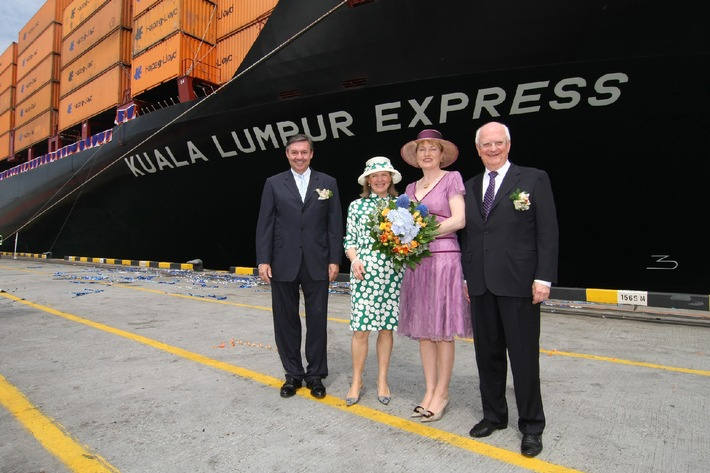 """Containerschiff """"Kuala Lumpur Express"""" in Port Kelang getauft / Zweites hochmodernes Ausbildungsschiff der Hapag-Lloyd-Flotte"""