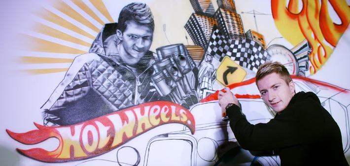 Fu�ball-Nationalspieler Marco Reus wird zum Graffiti Artist für  Hot Wheels