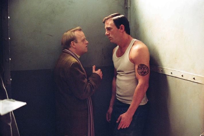 """Wahres Verbrechen: Free-TV-Premiere """"Infamous"""" mit Daniel Craig und Sandra Bullock am 22. April 2014 auf ProSieben MAXX"""
