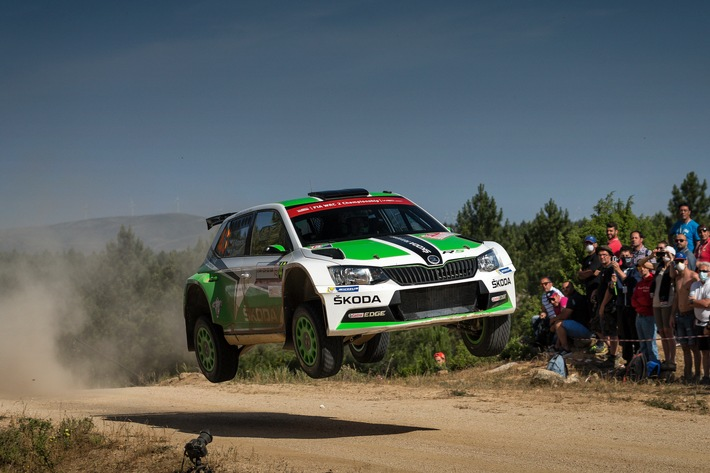 Doppelsieg bei der Rallye Italien: SKODA besteht die ultimative Härteprüfung