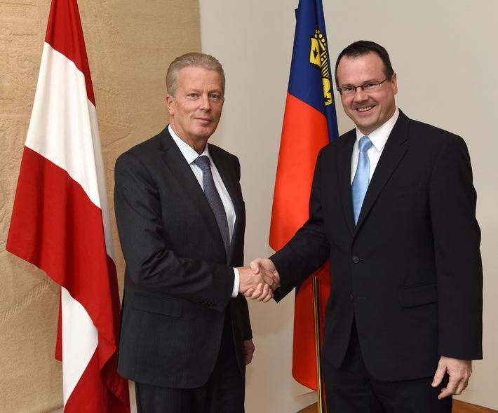 ikr: Arbeitstreffen von Regierungschef-Stellvertreter Thomas Zwiefelhofer mit Österreichs Vizekanzler Reinhold Mitterlehner