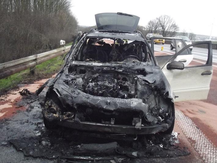 FW-DO: PKW auf der A45 in Vollbrand / Auslaufende Betriebsstoffe bedrohen Umwelt