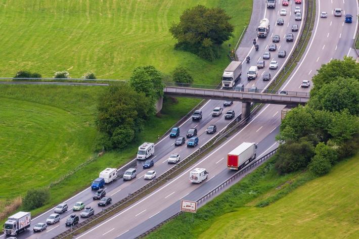 Reiseverkehr nimmt Fahrt auf / ADAC-Stauprognose für das Wochenende 1. bis 3. Juli