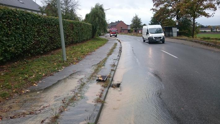 FW-WRN: Wasserrohrbruch im Nibelungenring