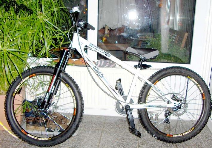 POL-SHDD: Darmstadt-Bessungen: Hochwertiges Fahrrad gestohlen/Hinweise erbeten