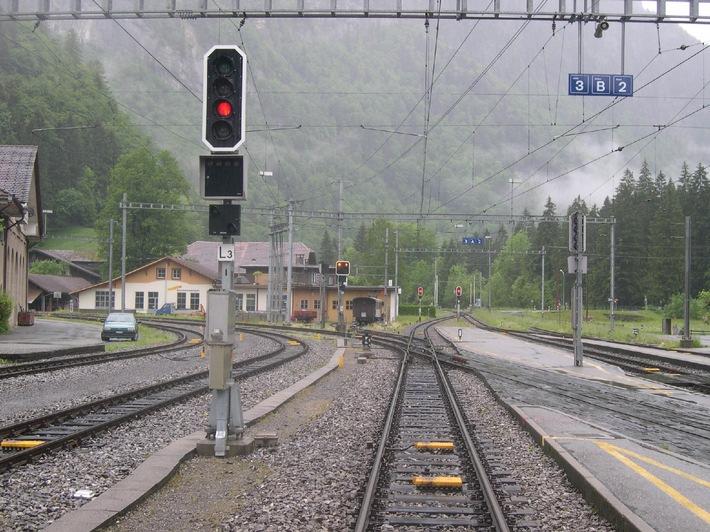 Zugsicherung auf dem ganzen Netz der Berner Oberland-Bahn in Betrieb