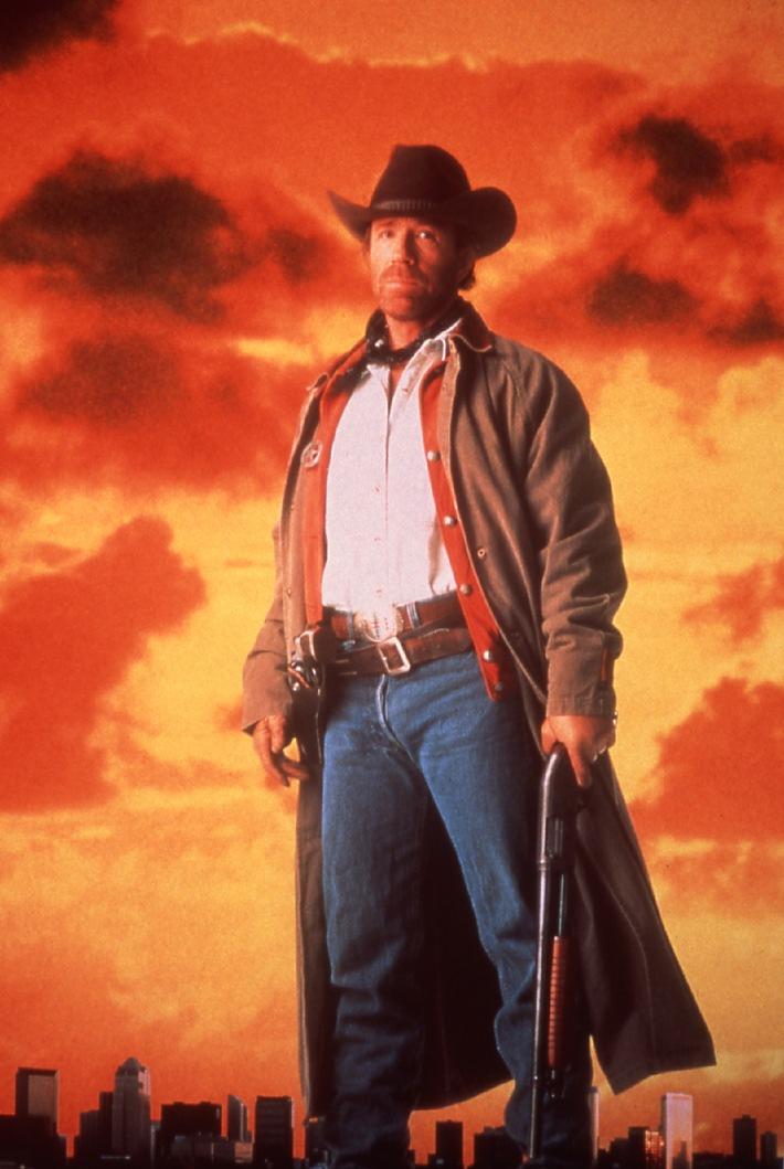 Actionheld Chuck Norris Gestorben Aber Der Tod Hatte