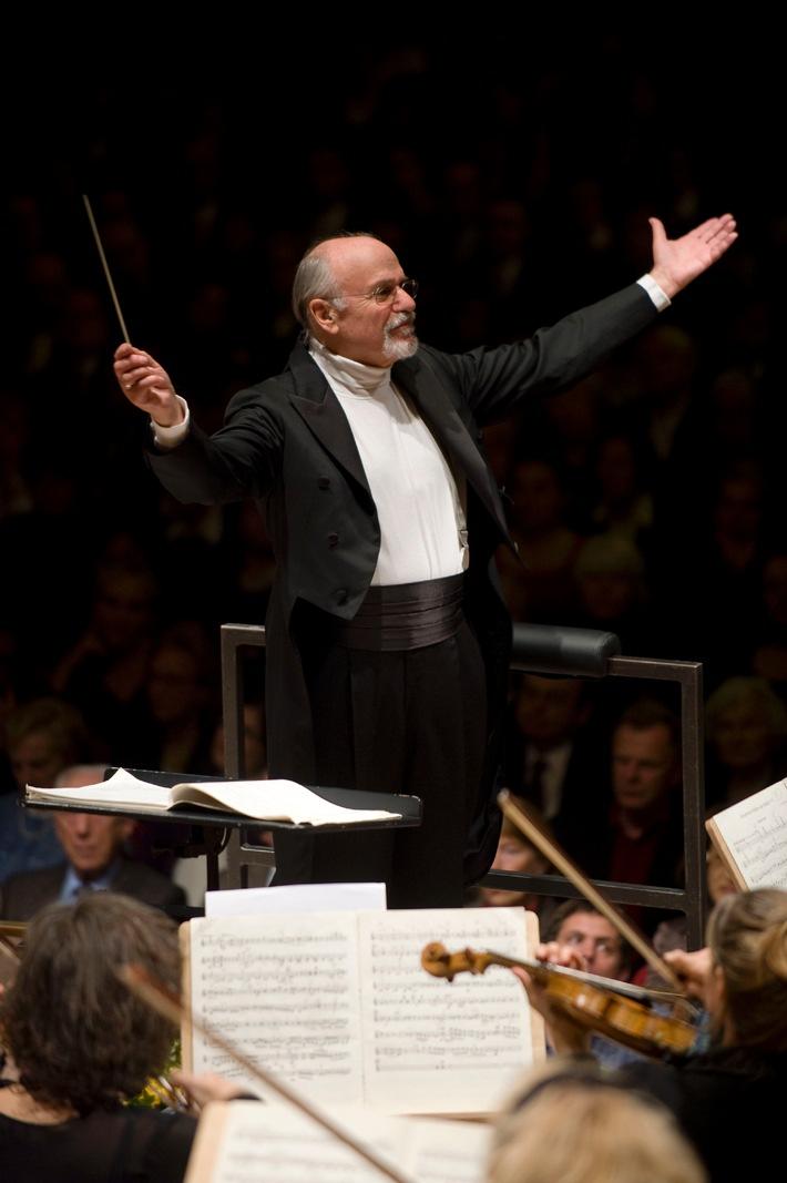 Klassik ist im Trend: Saisonstart 2011/2012 der Migros-Kulturprozent-Classics  Tonhalle-Orchester Zürich mit David Zinman auf Schweizer Tournee
