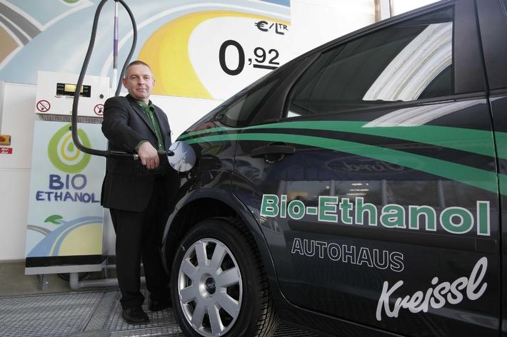 erste ffentliche bio ethanol tankstelle deutschlands in. Black Bedroom Furniture Sets. Home Design Ideas