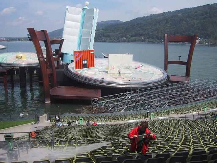 """Seebühne in Bregenz: Frühjahrsputz für """"La Bohème"""" - Die technischen Checks für das Spiel auf dem See haben begonnen"""