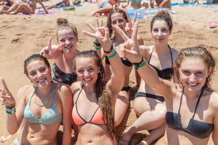 Kostenfreier Urlaub! ruf verschenkt Reisen an Schaltjahr-Geburtstagskinder / Jugendreiseveranstalter lädt an die französische Atlantikküste ein