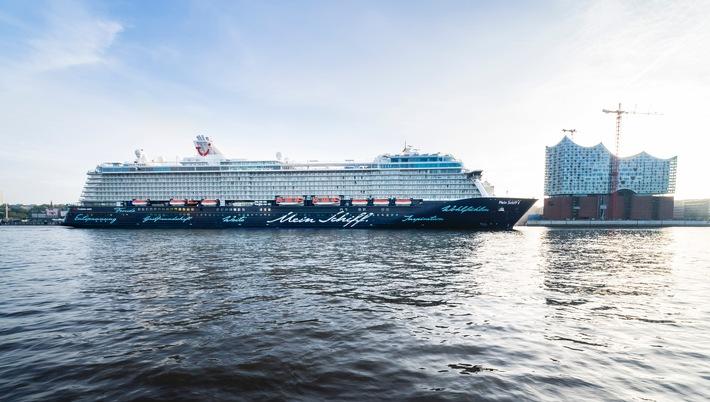 Mein Schiff 4 ist Schiff des Jahres 2016 / Berlitz Cruising & Cruise Ships Guide zeichnet TUI Cruises aus
