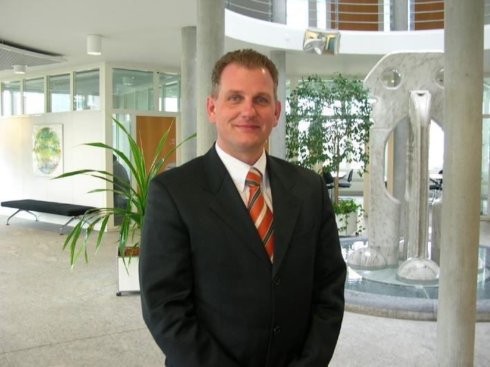 COO der Mathys AG Bettlach erhält Auszeichnung des Wall Street Journals