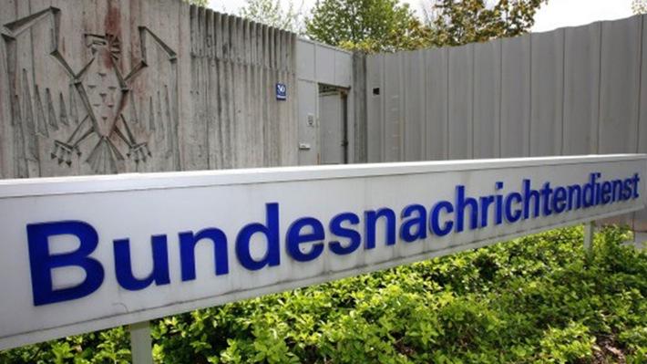 Deutsche misstrauen mehrheitlich dem BND Zwei Drittel haben weniger oder gar kein Vertrauen in den BND/Polizei und Bundeswehr genießen deutlich mehr Zuspruch