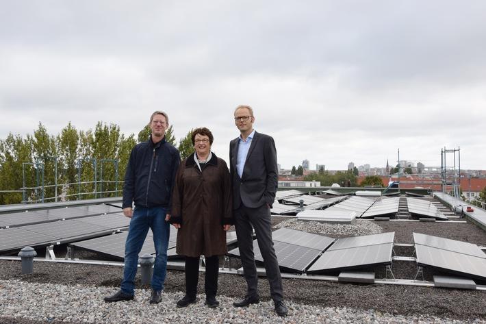 Mieterstromgesetz kommt an / Bundesministerin Brigitte Zypries besucht Mieterstrom-Projekt der Naturstrom AG