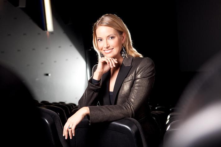 """""""Kinopolis"""": Neues Kinomagazin ab 24. März auf Sky / Jeden Donnerstag Berichte, Charts und Interviews zu den aktuellen Kinostarts / Neue Moderatorin: Sarah Valentina Winkhaus (mit Bild)"""