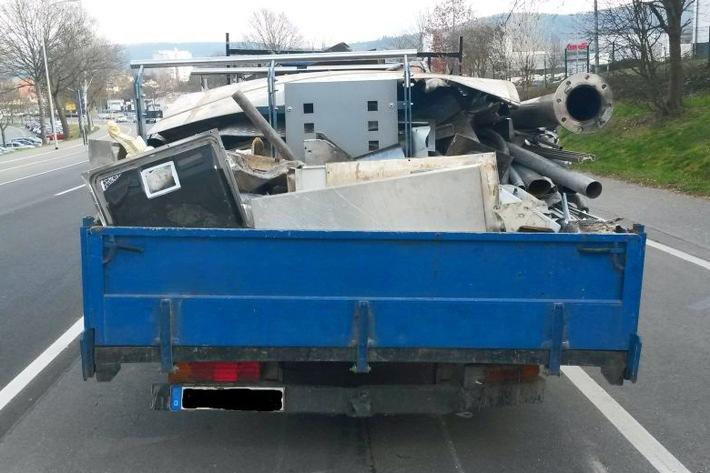 """POL-DA: Erbach: Nicht nur die Ladung war """"Schrott"""" / Lastwagen mit diversen Mängeln aus dem Verkehr gezogen"""