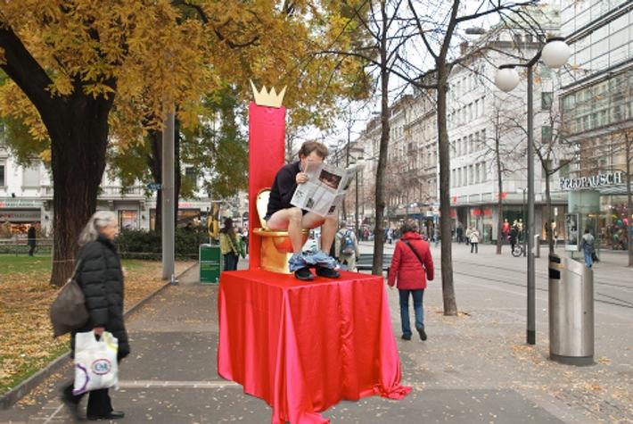Helvetas cerca un erede al trono