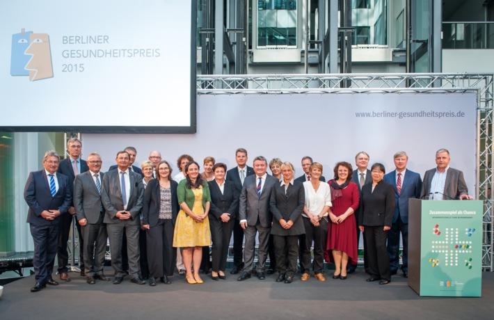 Mehr Miteinander im Krankenhaus: Berliner Gesundheitspreis prämiert Projekte zur interprofessionellen Zusammenarbeit