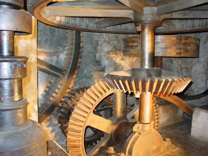 Der Besuch einer alten Mühle, Öle, Säge oder anderen Anlage ist etwas für alle Sinne / Thema des 16. Schweizer Mühlentags ist der Mühlbach / 110 Mühlen sind im neuen Mühlenführer 2016 beschrieben