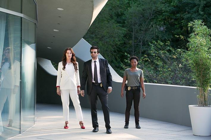 """""""Powers"""" definiert das Superhelden-Genre neu: die atemberaubende Mischung aus Crimestory und Sci-Fi-Spektakel ab 6. Juli auf Sky"""