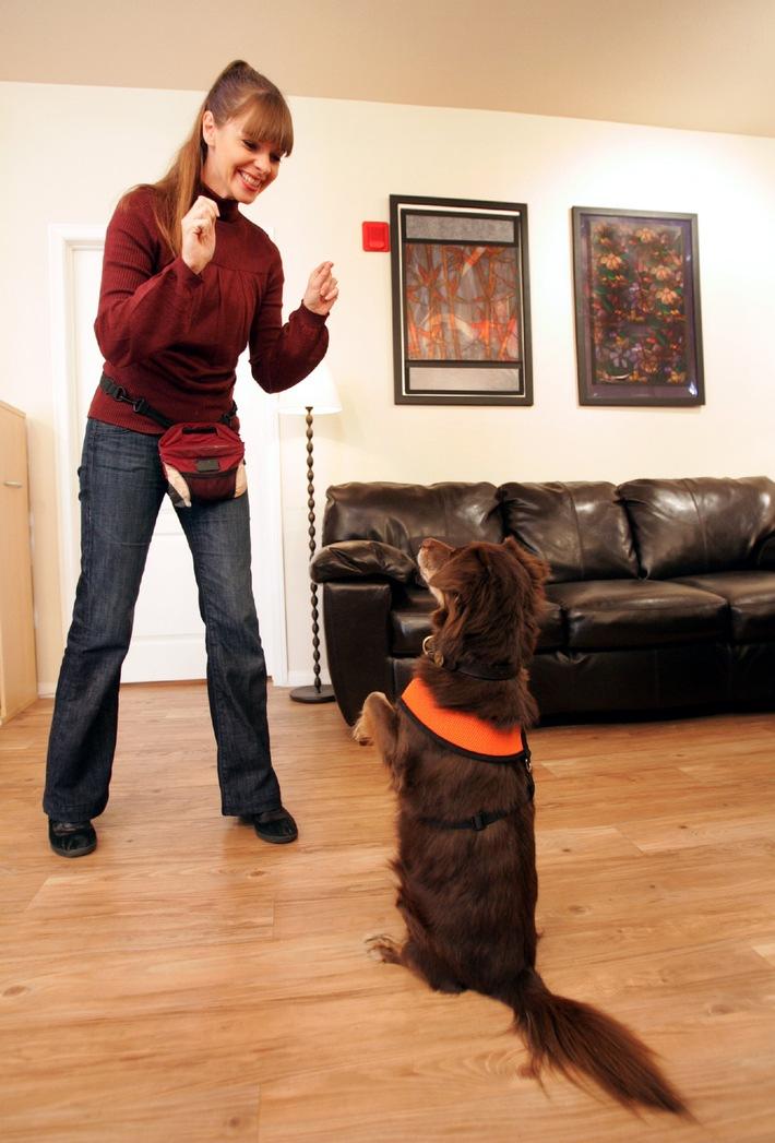 """Hundetrainerin Victoria Stilwell coacht in """"Der Hund oder ich!"""" ab Donnerstag, den 27. Dezember 2012, auf sixx"""
