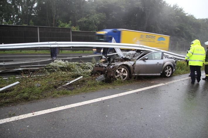 POL-BI: BAB 2 Bereich Minden - Schaumburg : Verkehrsunfall mit Sachschaden auf der BAB 2