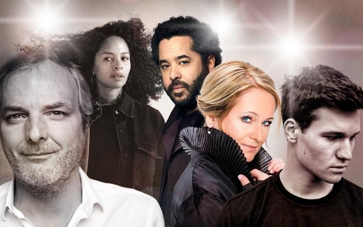 Die deutsche ESC-Jury 2017: Nicole, Joy Denalane, Andreas Herbig, Adel Tawil und Wincent Weiss / Barbara Schöneberger verkündet Punkte im ESC-Finale