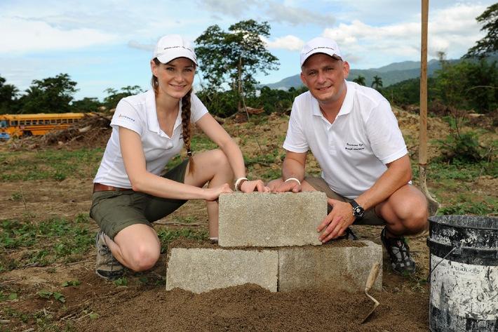 """Lyoness Child & Family Foundation legt Grundstein für die erste """"Escuela Lyoness"""" in Honduras"""
