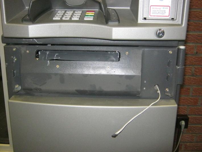 POL-NI: Sprengung eines Geldautomaten scheitert