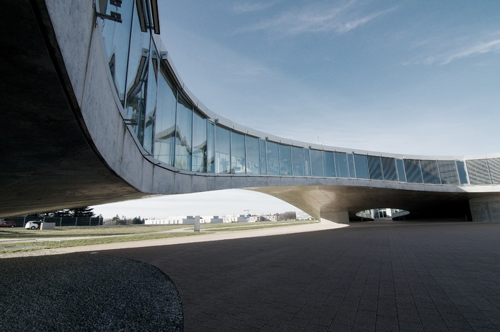 Daylight Award pour le Rolex Learning Center de l'EPF Lausanne / La Fondation Velux attribue le prix d'architecture le mieux doté de Suisse (Image)