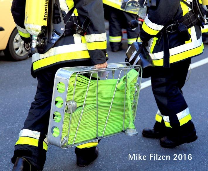 FW-E: Kellerbrand im Mehrfamilienhaus - keine Verletzten