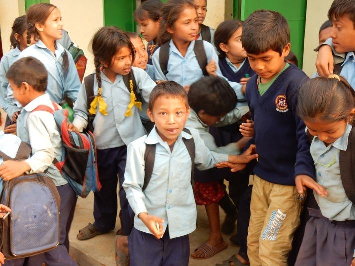 """Help in Nepal nach dem Beben 2015 - """"Wer ein Land wiederaufbauen will, muss bei den Kindern anfangen"""""""