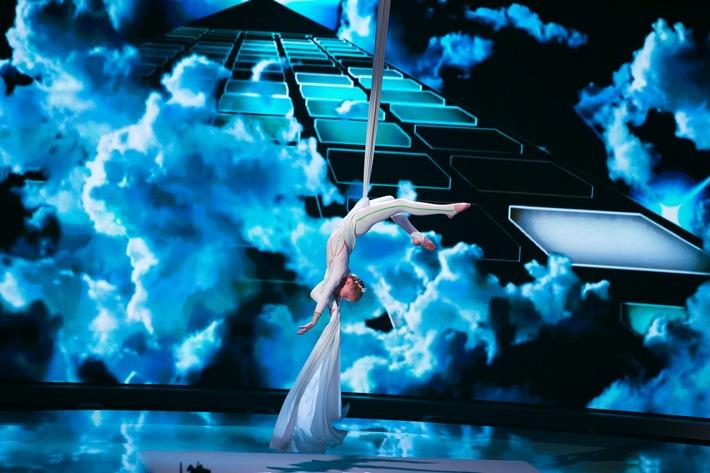 Pack die Rollschuhe aus, wir tanzen Limbo - 36 Superkids verzaubern ab Freitag in SAT.1 Michelle Hunziker
