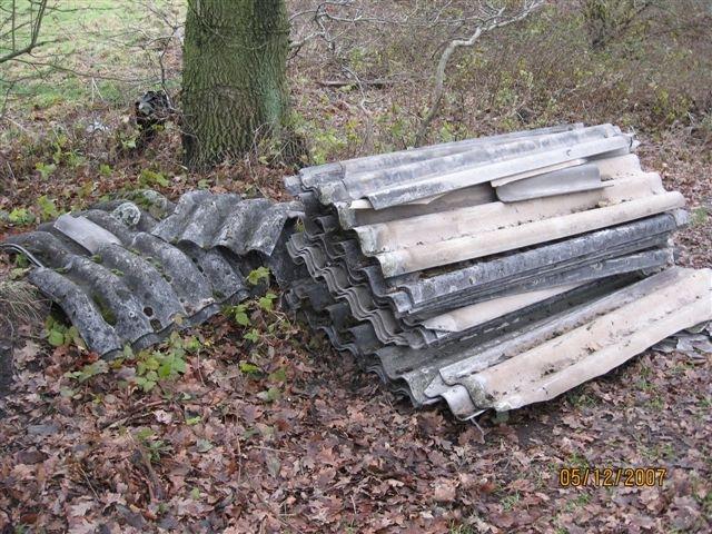 POL-SE: Pinneberg: Wellzementdach unerlaubt entsorgt
