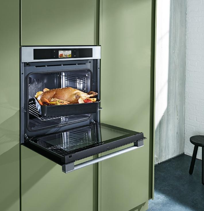 Panasonic setzt die Küche unter Dampf / 3-in-1 Kompaktbackofen - ein Alleskönner