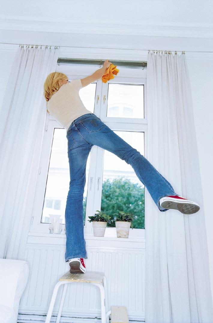 ber 20 grad jetzt ist der fr hling wirklich da doch aufgepasst beim fr hjahrsputz. Black Bedroom Furniture Sets. Home Design Ideas