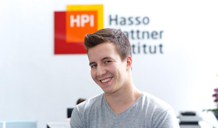 Vor Hamburger IT-Gipfel: Merkel steht jungem Blogger des Hasso-Plattner-Instituts Rede und Auskunft