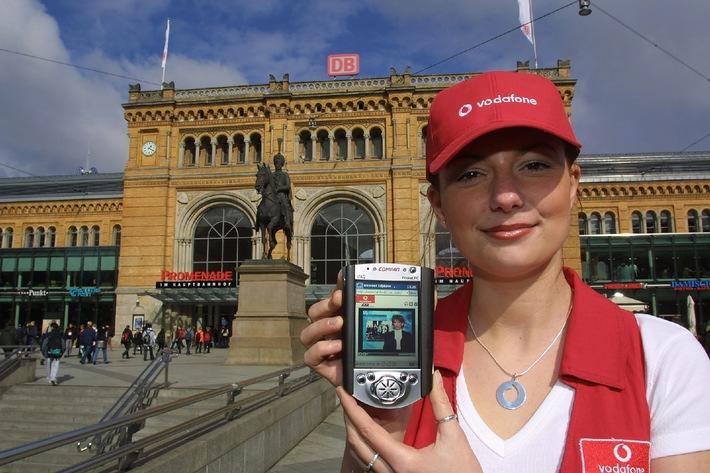 Vodafone/D2 startet heute erstes UMTS-Netz auf der CeBIT und in Hannovers Innenstadt