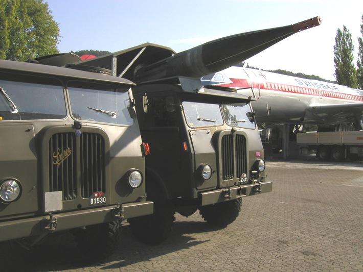 Saurer-Militärfahrzeuge in Reih und Glied im Verkehrshaus in Luzern