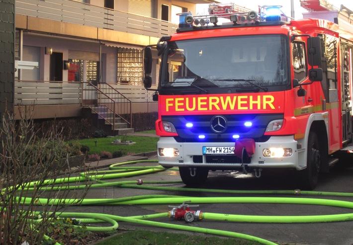 FW-MH: Wohnungsbrand mit vielen Verletzten