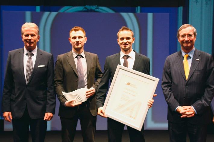 Wirtschaftsminister verleiht Auszeichnung an Campingplatz-Bewertungsplattform - BILD