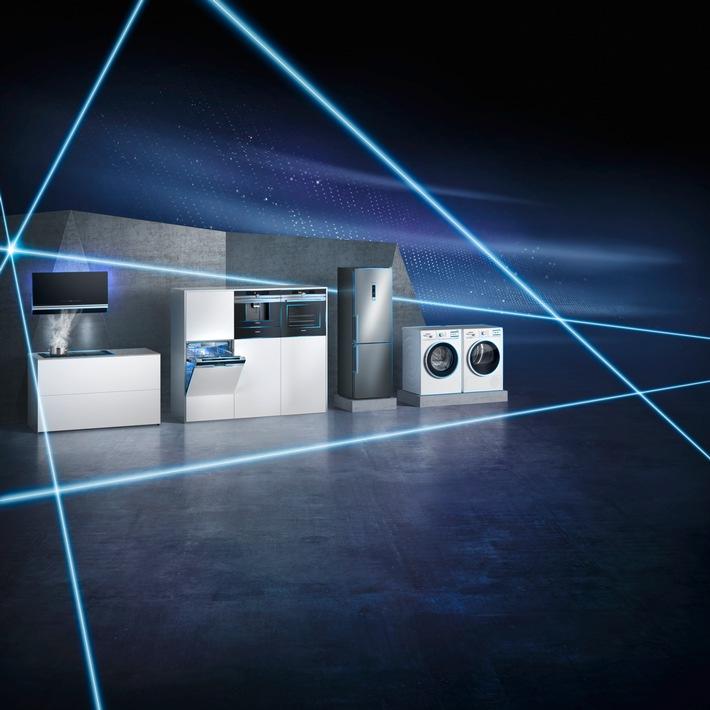 """Die Möglichkeiten einer vernetzten Welt erleben / Auf der IFA 2016 stellt Siemens Hausgeräte die Weichen in Richtung """"Seamless Life"""" und """"Internet der Dinge"""""""